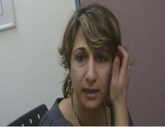 העובדת הסוציאלית אפרת לביא מלשכת הרווחה גבעת שמואל רדפה אם חד הורית משום שהאם עבדה לפרנסתה